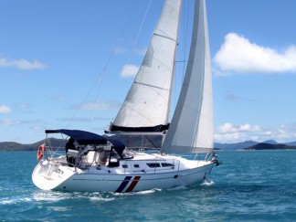 Sun Odyssey 37 for skippered yacht charter in the Solent